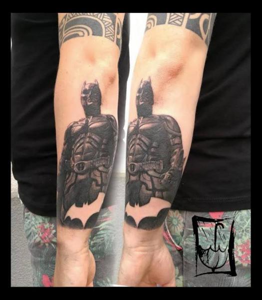 Arm Batman Tattoo von Fat Foogo