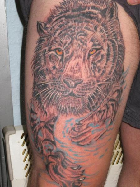 Leg Tiger Tattoo by Body Graphics