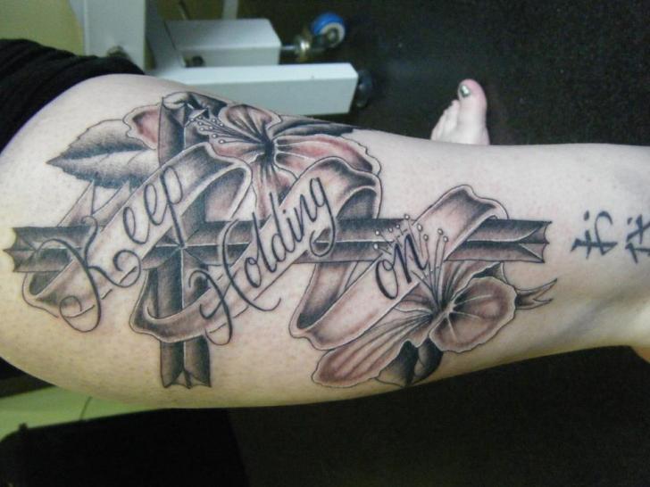 Bein Crux Tattoo von Colchester Body Arts